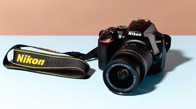 Digital Single-Lens Reflex (DSLR)